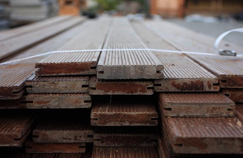 Barsotti legnami vendita legnami e pavimenti in legno da esterno per giardino e piscina pisa - Pavimentazione giardino in legno ...